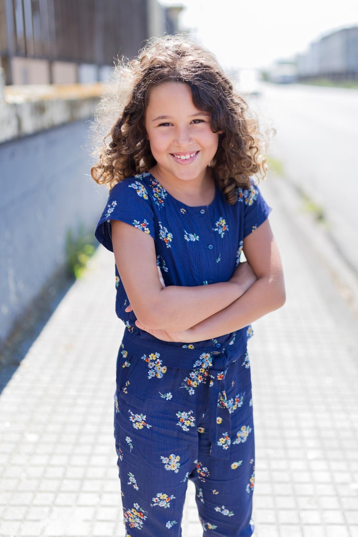 miniblogger-descalzaporelparque -coruña -jimena - jimena look- jumpsuit -kids -miniblogger - moda infantil -mono -niños- Soft -soft de ZARA KIDS - streestyle- style -zara-zara kids