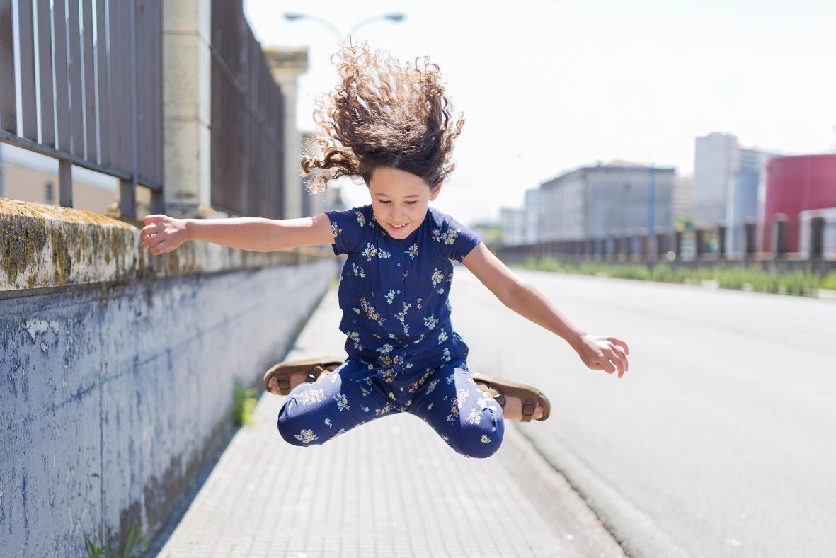 jump-simile-zippy sandals-miniblogger-descalzaporelparque -coruña -jimena - jimena look- jumpsuit -kids -miniblogger - moda infantil -mono -niños- Soft -soft de ZARA KIDS - streestyle- style -zara-zara kids