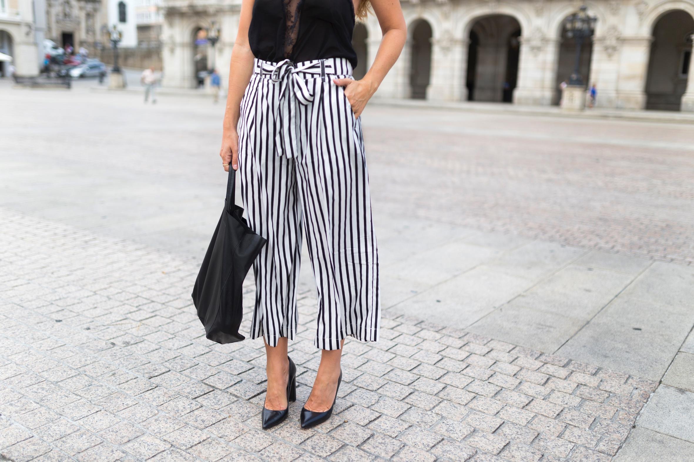 pantalones rayas-ZARA-Cèline-tote bag-volver a la rutina- Passionata- lencería- mono lencero- streetstyle- coruña- Céline bag- blogger-passionatagirls
