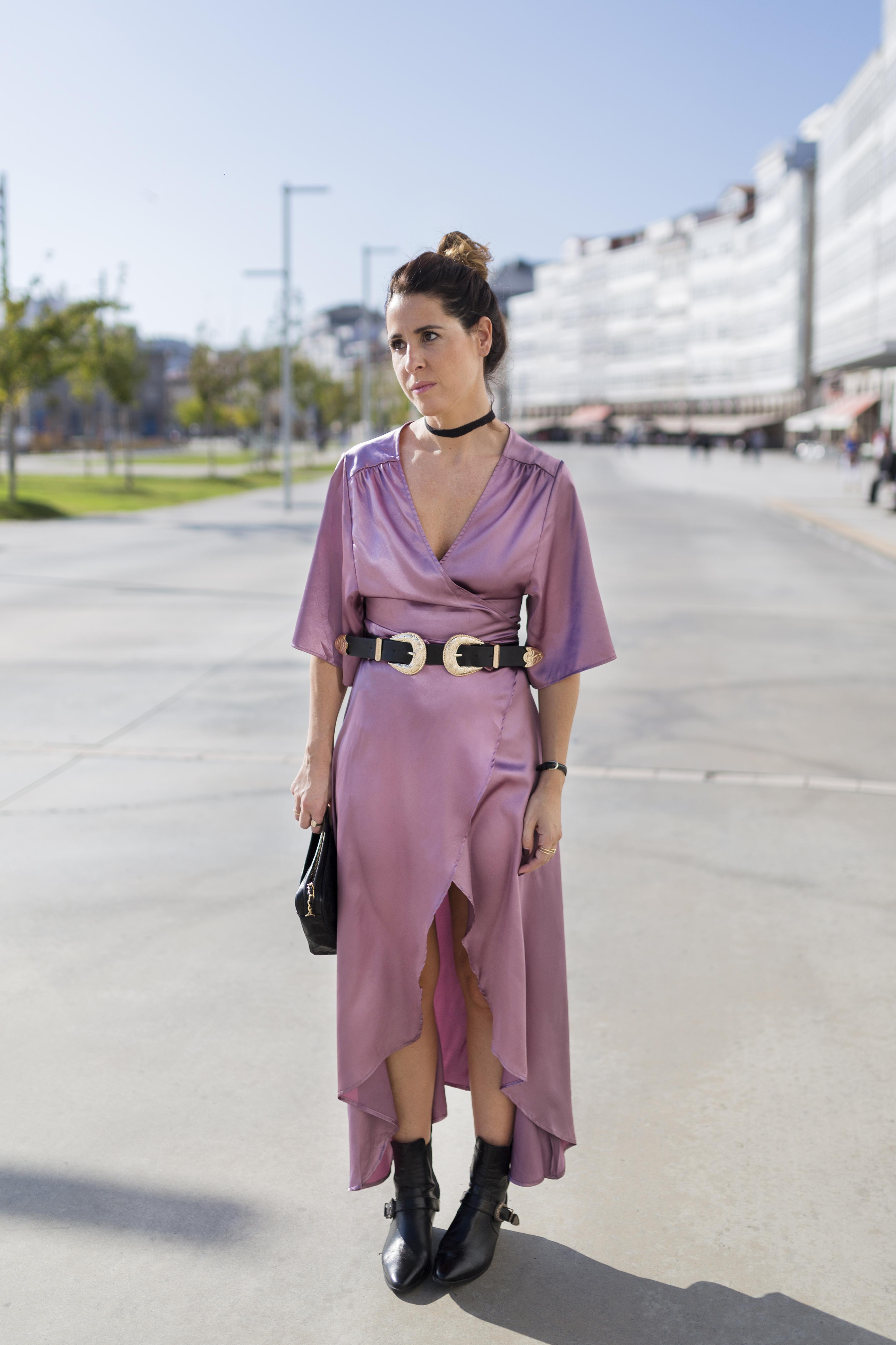blogger- alba cuesta- vestido satinado - descalzaporelparque-choker zara - SHEIN - ootd - galicia - fashion -blogger - style - moda calle - streetstyle - denia priegue - video - Shein dress - chanel - vintage - botines - zara