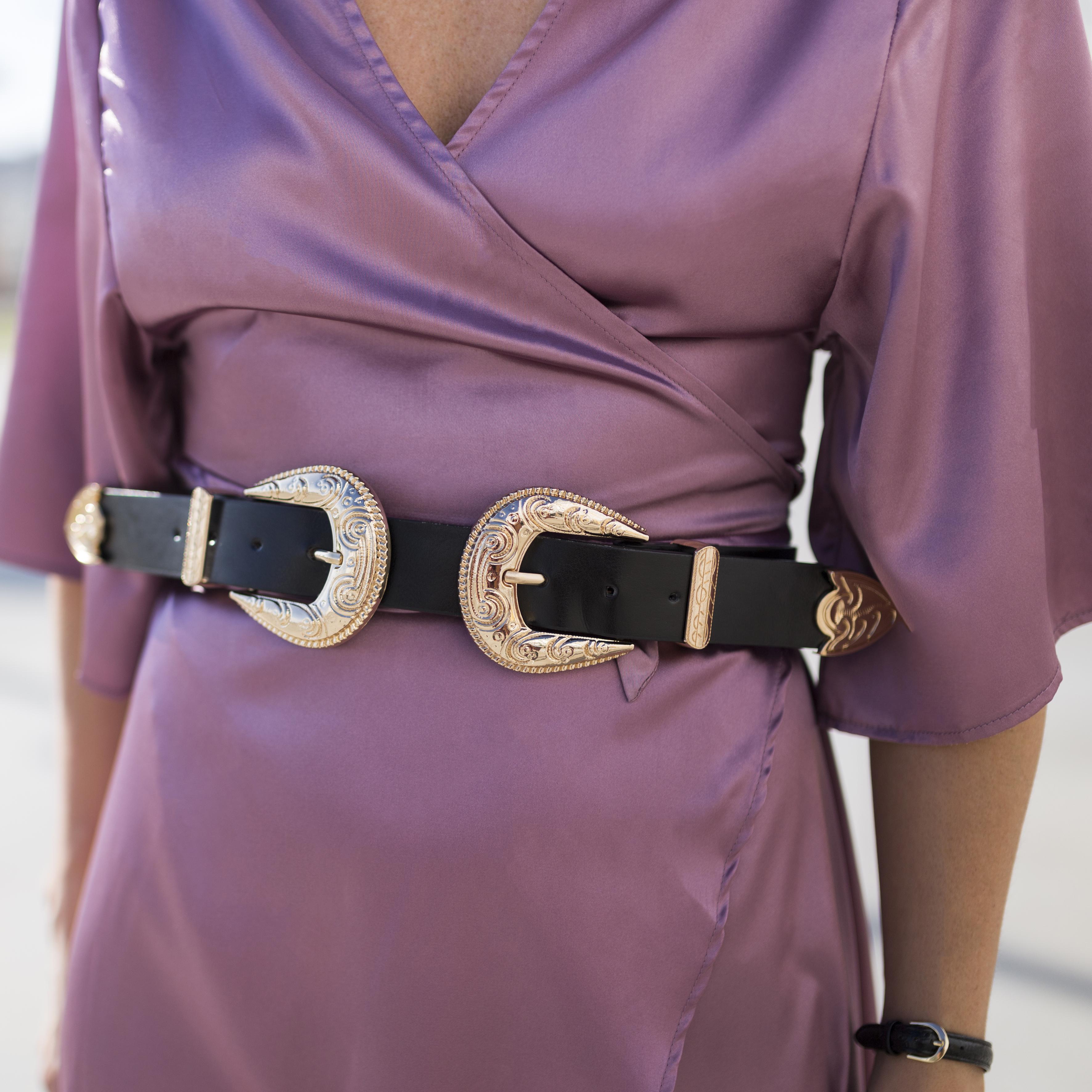 shein belt- cinturon doble hebilla-StyleLovely-blogger- alba cuesta- vestido satinado - descalzaporelparque-choker zara - SHEIN - ootd - galicia - fashion -blogger - style - moda calle - streetstyle - denia priegue - video - Shein dress - chanel - vintage - botines - zara