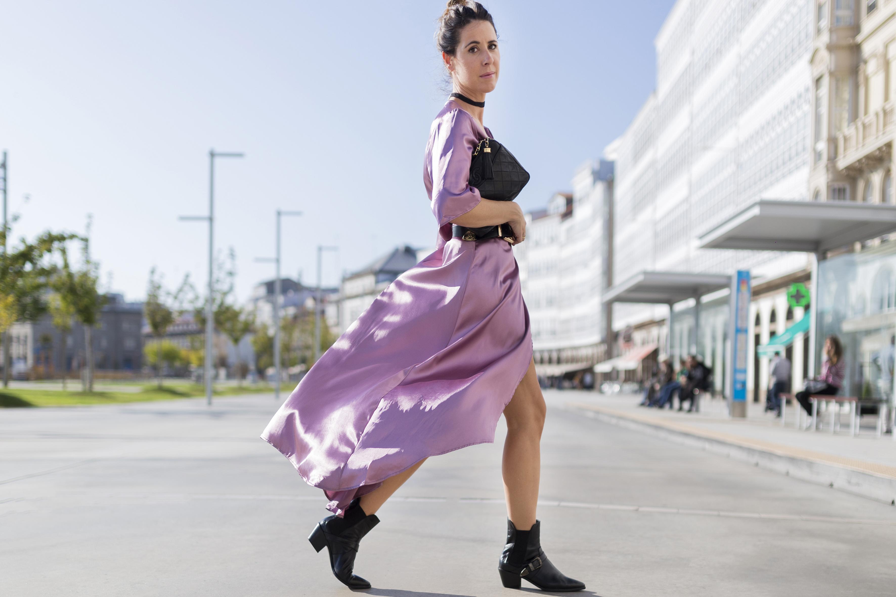 alba cuesta- vintage - botines - zara-chanel vintage-StyleLovely-blogger-vestido satinado - descalzaporelparque-choker zara - SHEIN - ootd - galicia - fashion -blogger - style - moda calle - streetstyle - denia priegue - video - Shein dress - chanel -