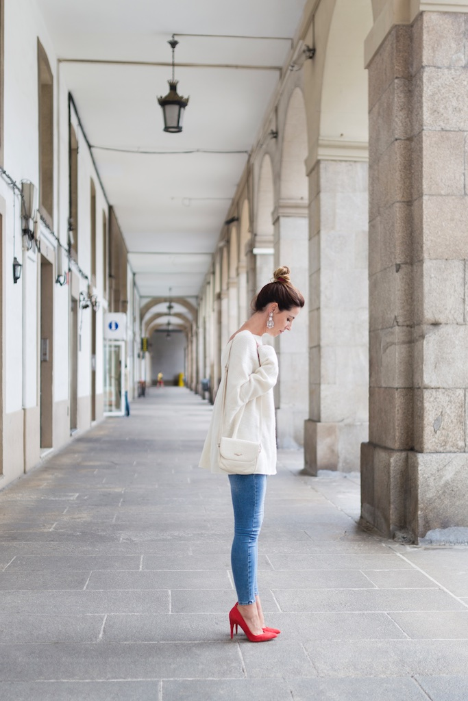 streetstyle-jeans-moda calle-coruña-vintage bag-nuevos pendientes- happiness boutique- descalzaporelparque- alba cuesta- coruña- fashion- blogger- streetstyle- Zara