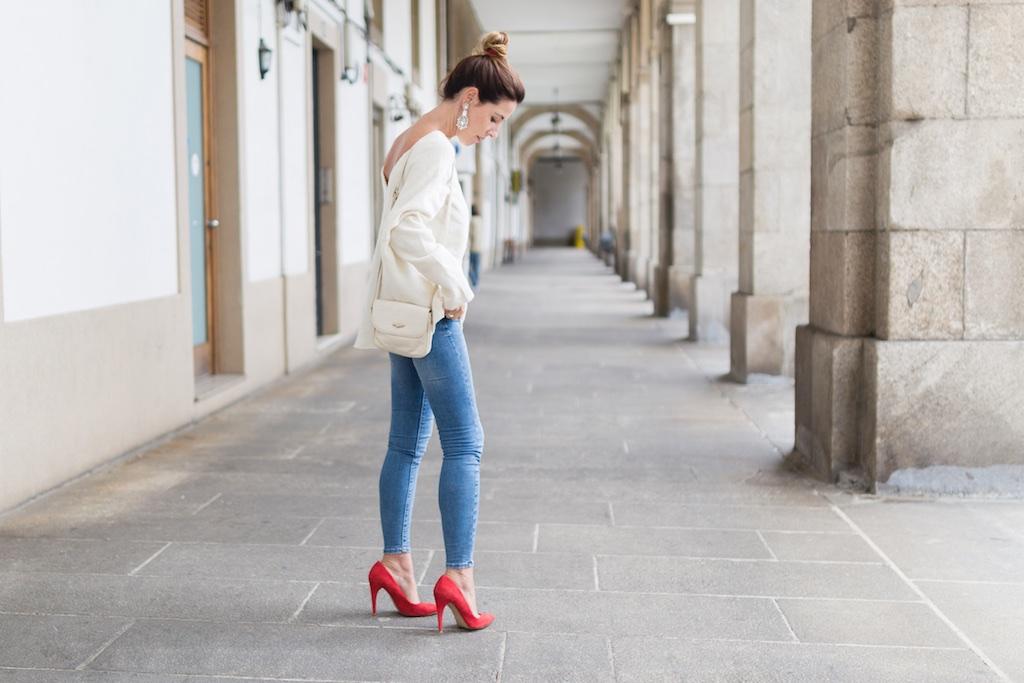 red heels-happiness boutique- descalzaporelparque- alba cuesta- coruña- fashion- blogger- Zara-streetstyle-moda calle-coruña-vintage bag