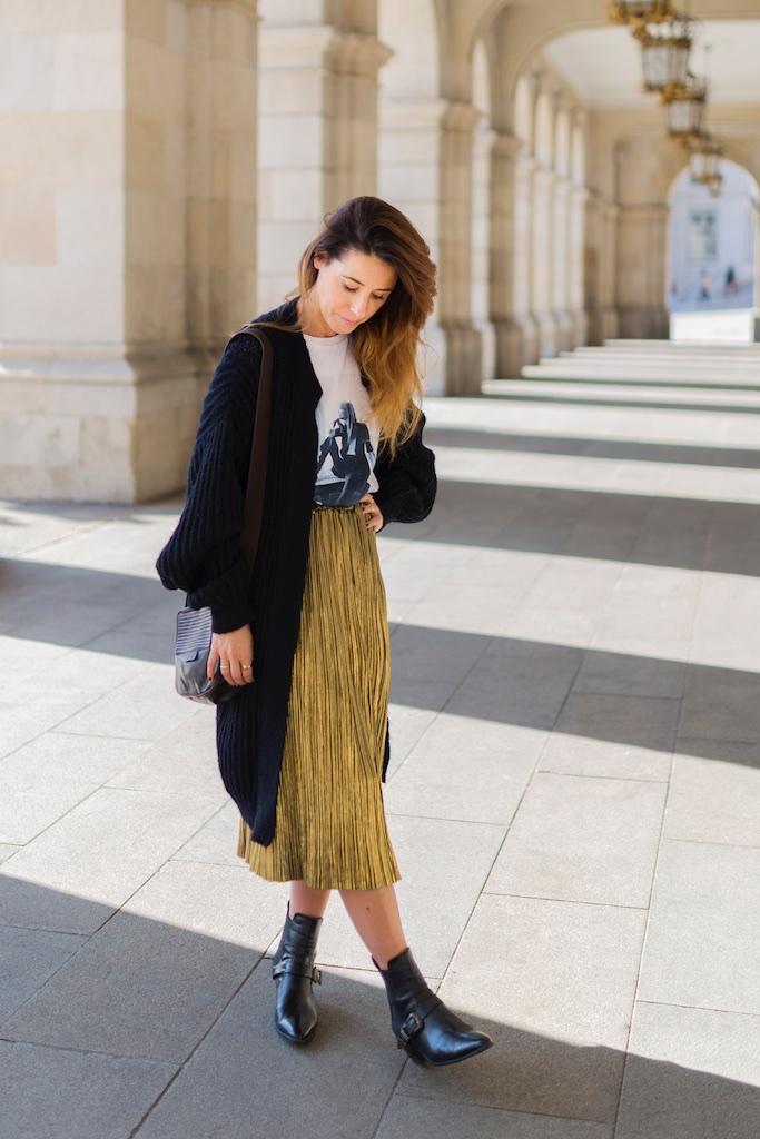 fashion blogger-street style-stylelovely-falda dorada - descalzaporelparque-camiseta HARDY - promod - camiseta - galicia - fashion -blogger - style - moda calle - streetstyle - denia priegue - video - Françoise Hardy - prada - vintage - botines - zara - Shein