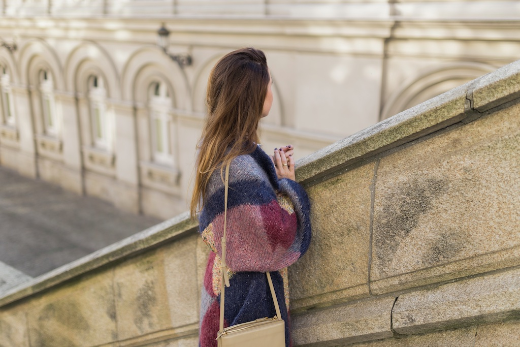moda - coruña - fashion - blogger , style , moda calle , streetstyle - denia priegue - video - vintage - sneakers isabel marant - zara - Celine trio bag - celine bag - descalzaporelparque-chaqueta de lana - Vintage & Coffee