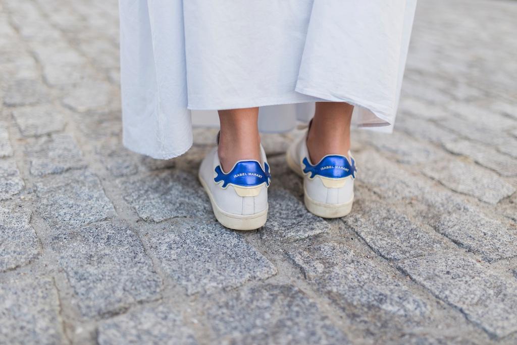 coruña - fashion - blogger , style , moda calle , streetstyle - denia priegue - video - vintage - sneakers- isabel marant - zara - Celine trio bag - celine bag - descalzaporelparque