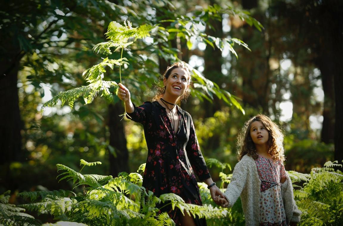 ZARA KIDS - Zara dress - descalzaporelparque-REPORTAJE SOBRE EL OTOÑO-Moda de otoño - ZARA - kids- choker Pull&Bear - moda - coruña - fashion - blogger - style - moda - madre e hija - la voz de galicia - comarcal- botines