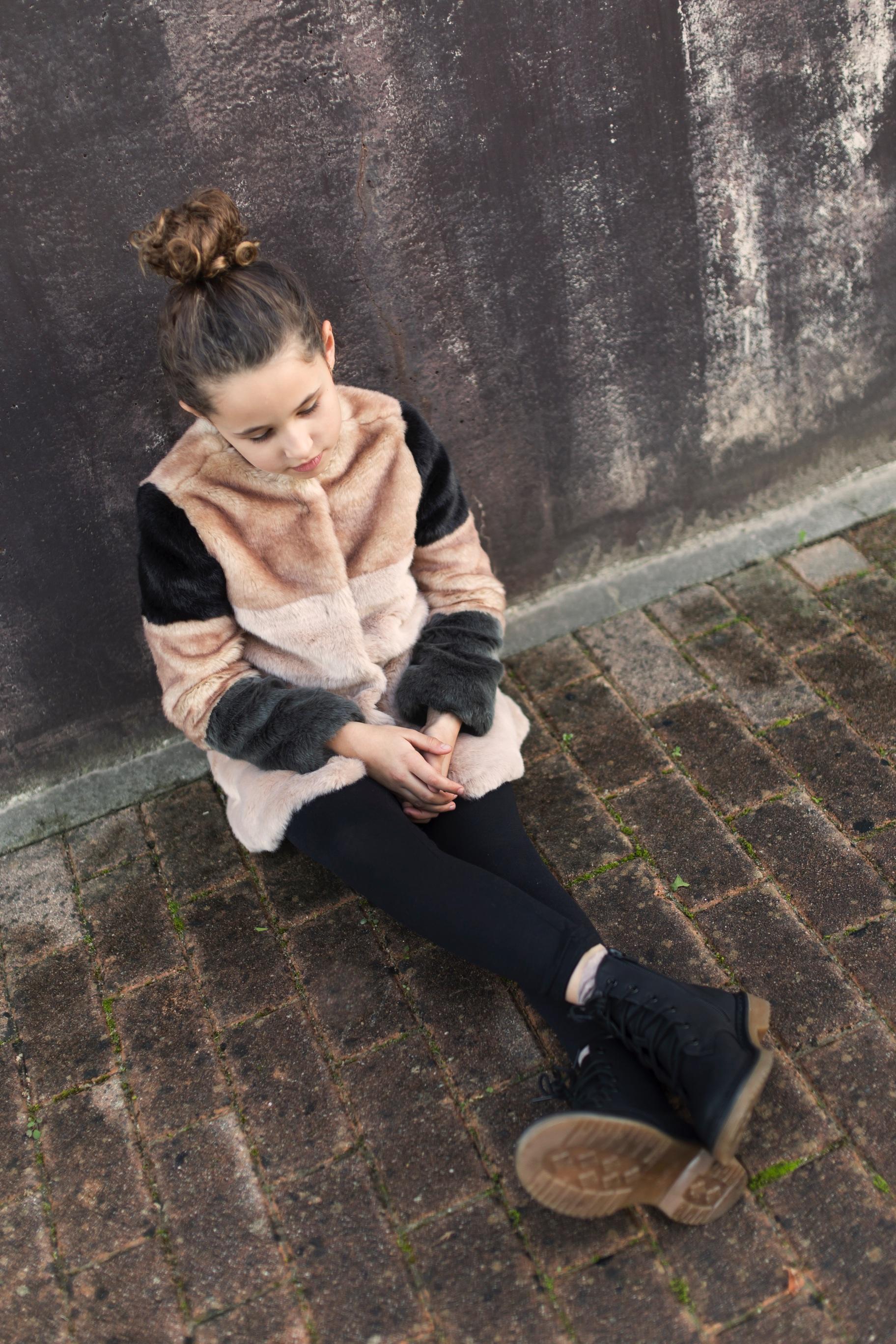 Jimena look-fashion girl-zara kids-style-zara coat-niños-moda-coruña-descalzaporelparque