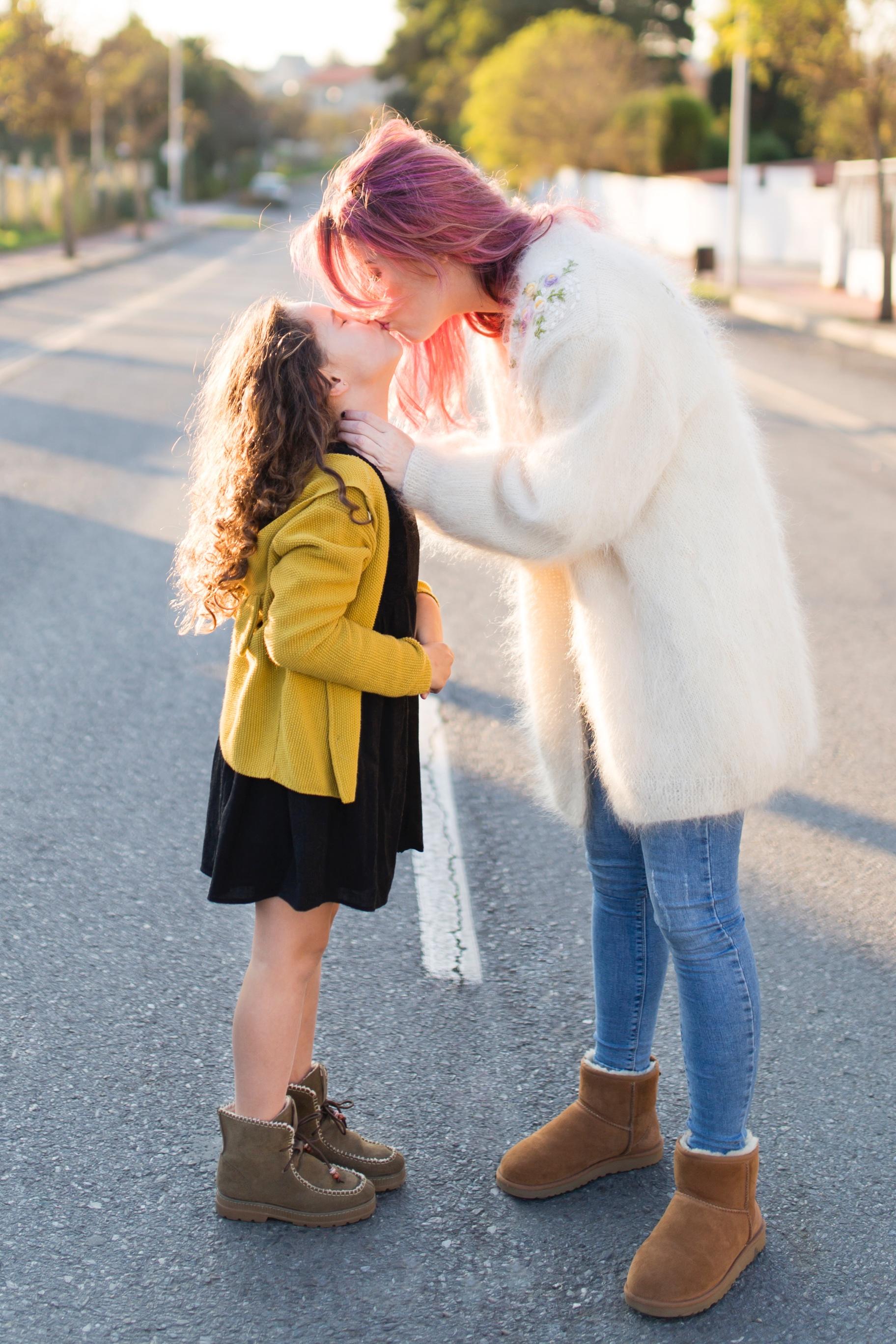 madre-e-hija-moda-descalzaporelparque-jimena-look-kids-omini-kids-ministyle-pisamonas-niños-zara-kids