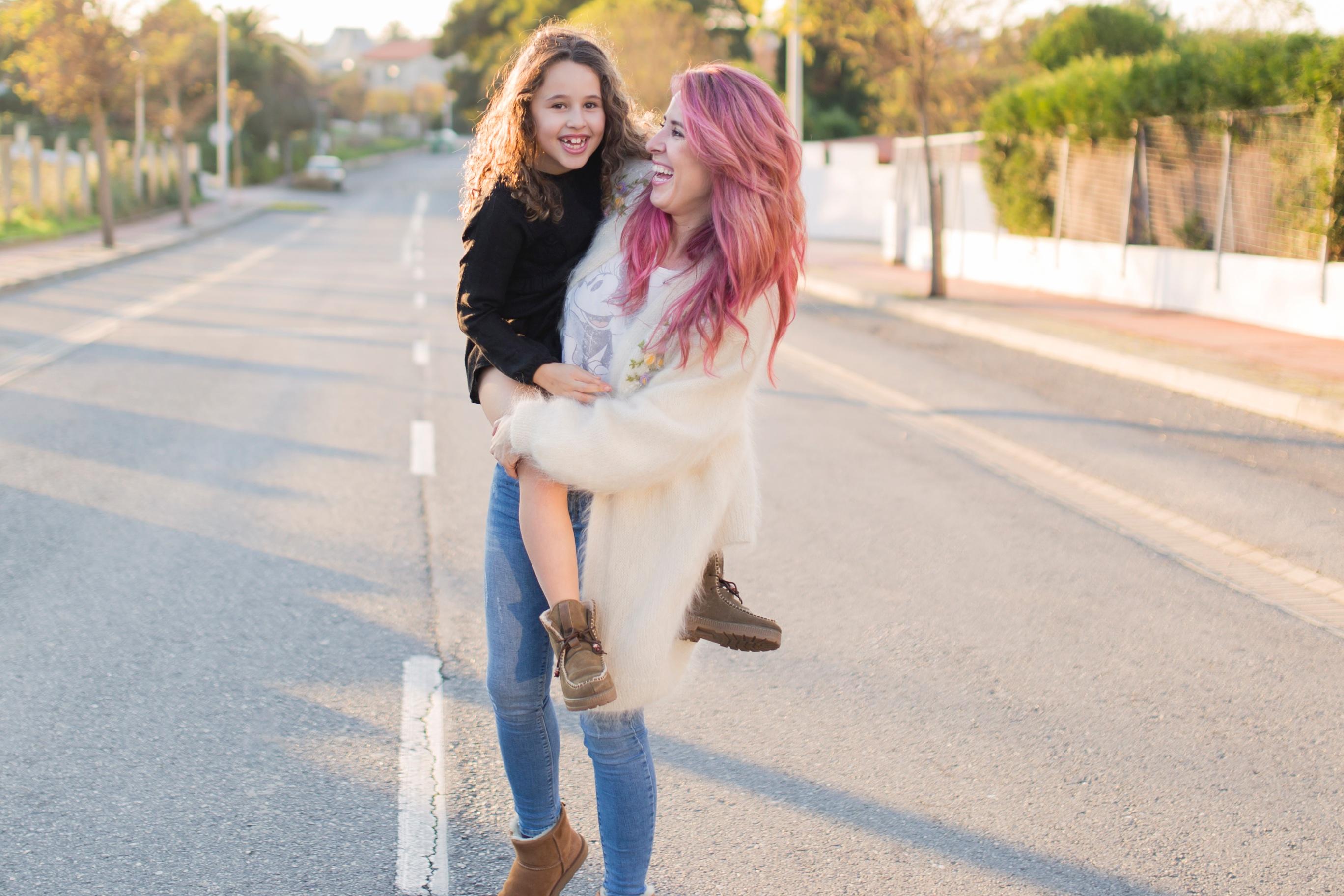 pink-hair-coruña-mohair-vitagecoffee-ugg-moda-descalzaporelparque-descalza-look