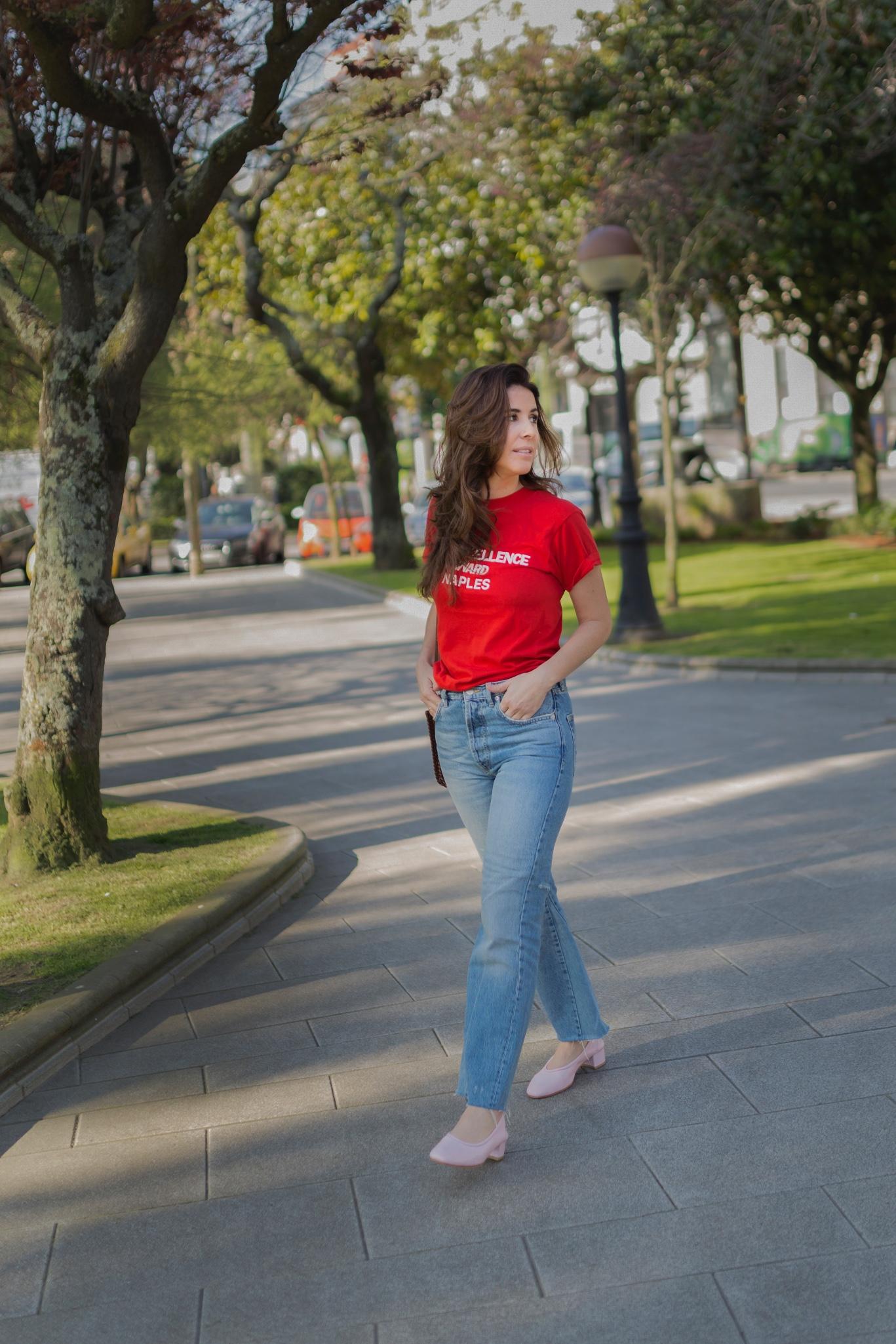 blogger-alba cuesta-mezclas imposibles- rojo y rosa- look of the day- style- streetstyle- coruña-descalzaporelparque- stylelovely- zara- vintage