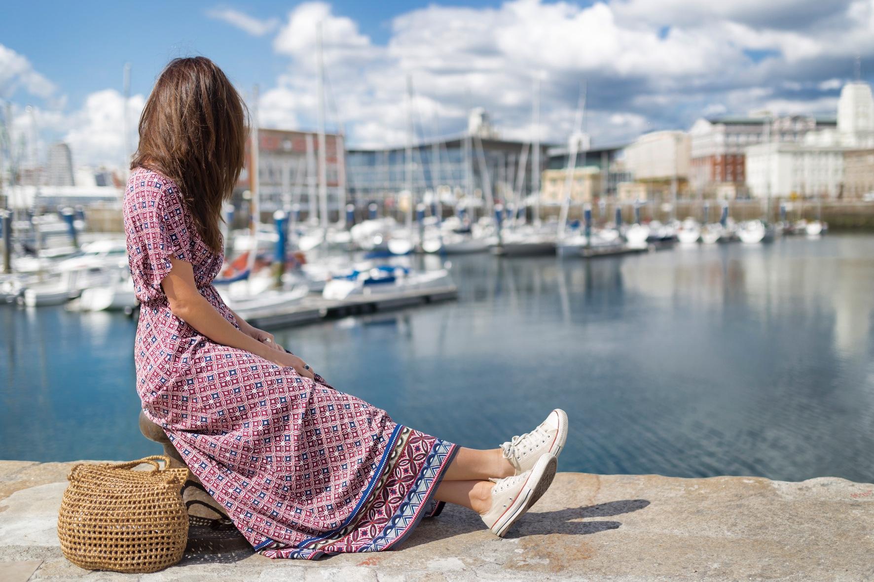 alba cuesta-fashion-moda-blogger-C&A dress- bolso de mimbre- vestido largo- C and A- descalzaporelparque