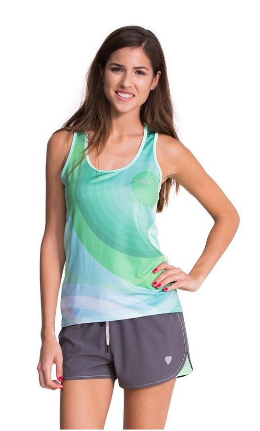 camiseta deporte desigual verde