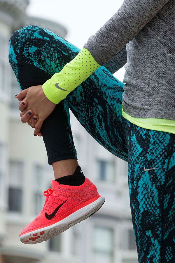 Moda fitness: un look tendencia para un entrenamiento de diez-219-businesswoman