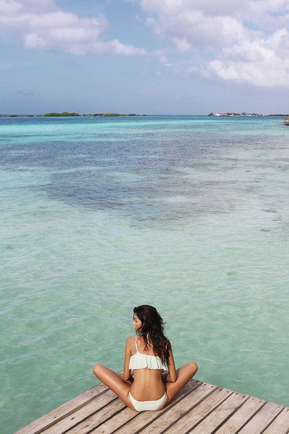 Elige tu bikini para el primer chapuzón del año-253-businesswoman