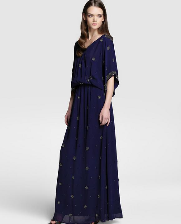 vestido boho largo azul con adornos