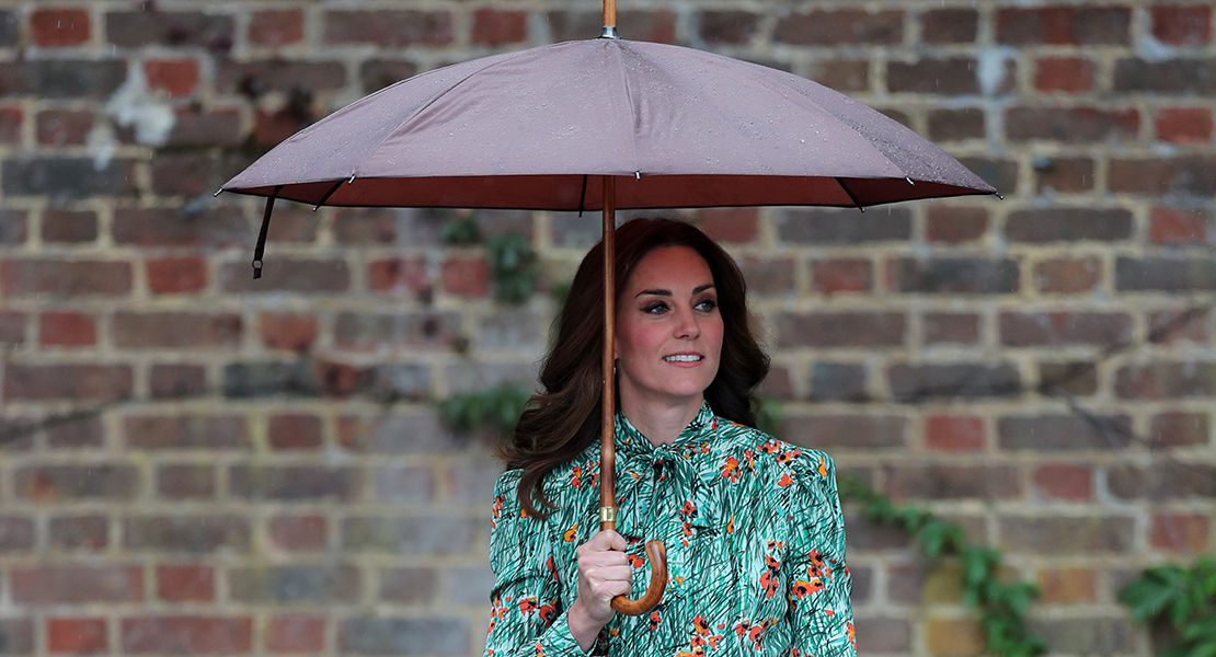 kate middleton paraguas