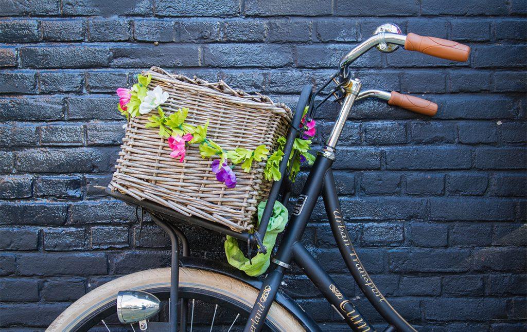 Piernas perfectas montando en bicicleta