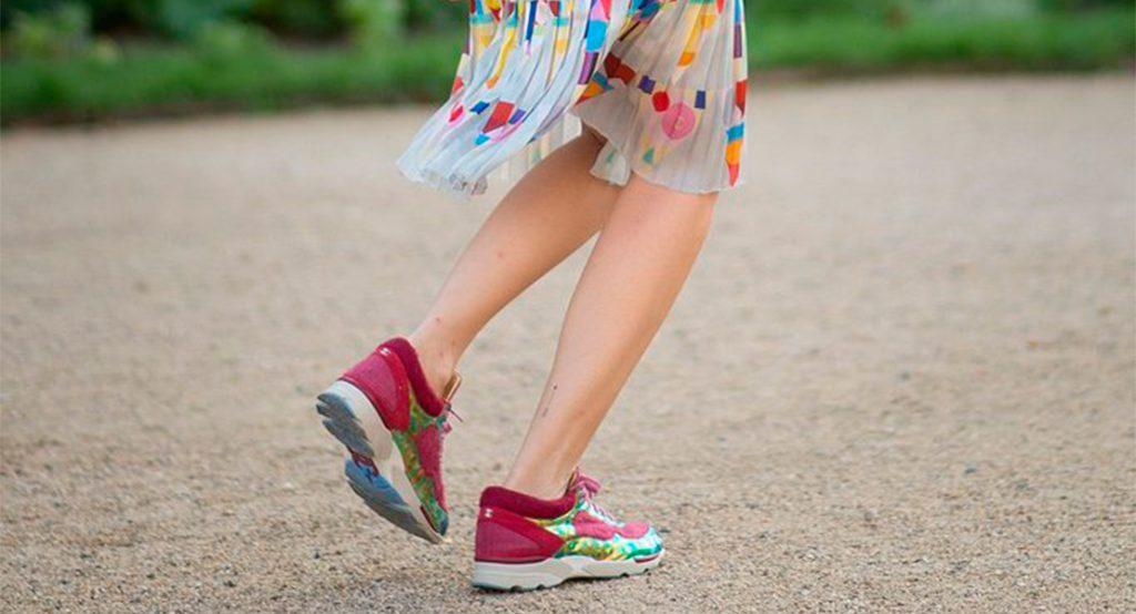 zapatillas de running que llevarás también con vestidos