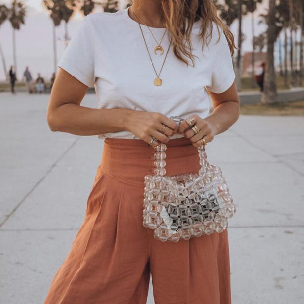 Collage Vintage con bolso de perlas