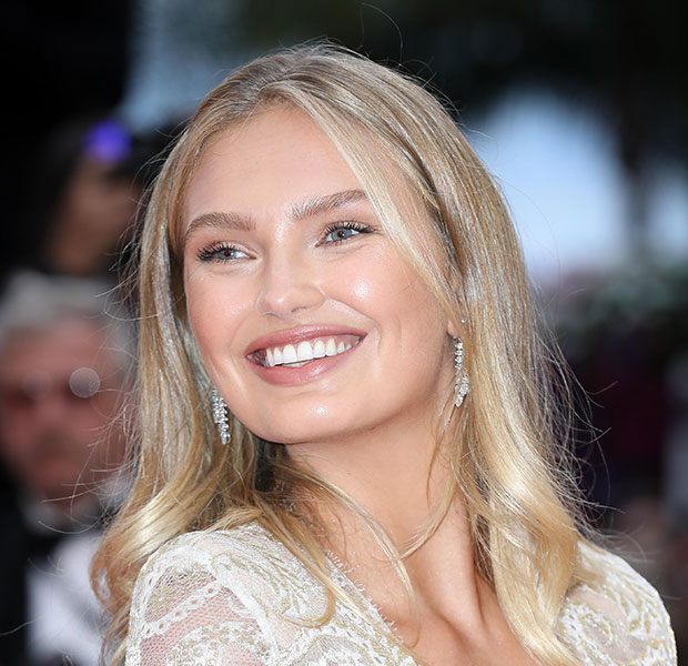 Romee Strijd maquillaje natural