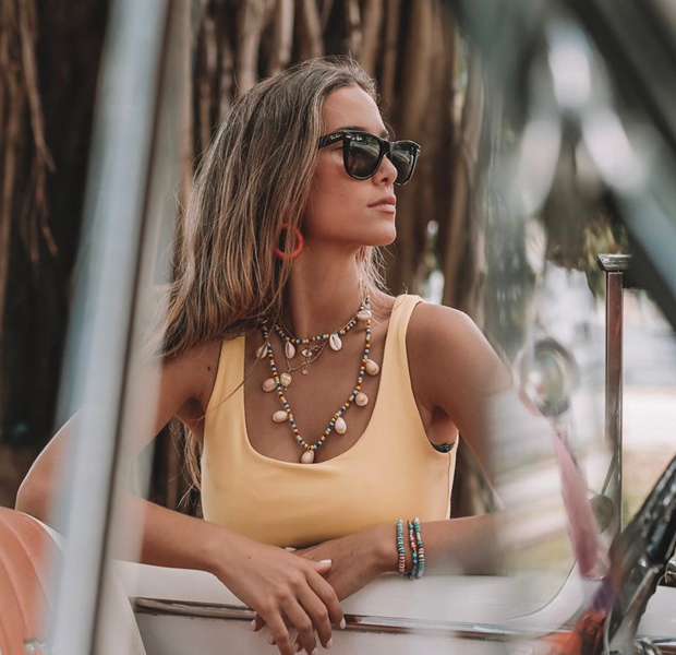 María Pombo con gafas de sol para verano