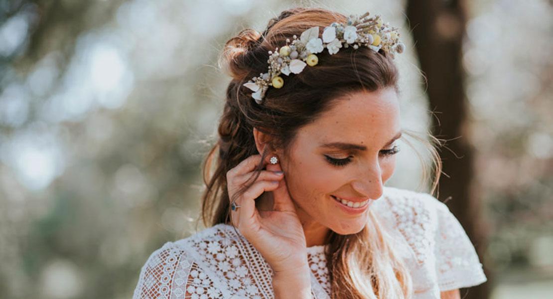 Miss Cavallier con pendientes para novias