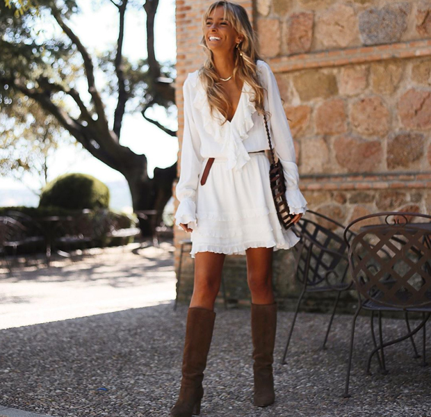 Paula Argüelles con vestido blanco para verano