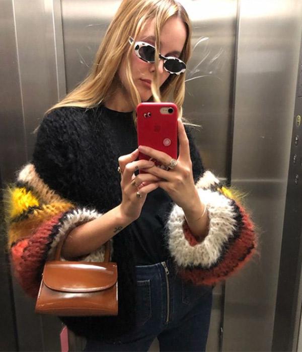 Lucía Cuesta con gafas ovaladas