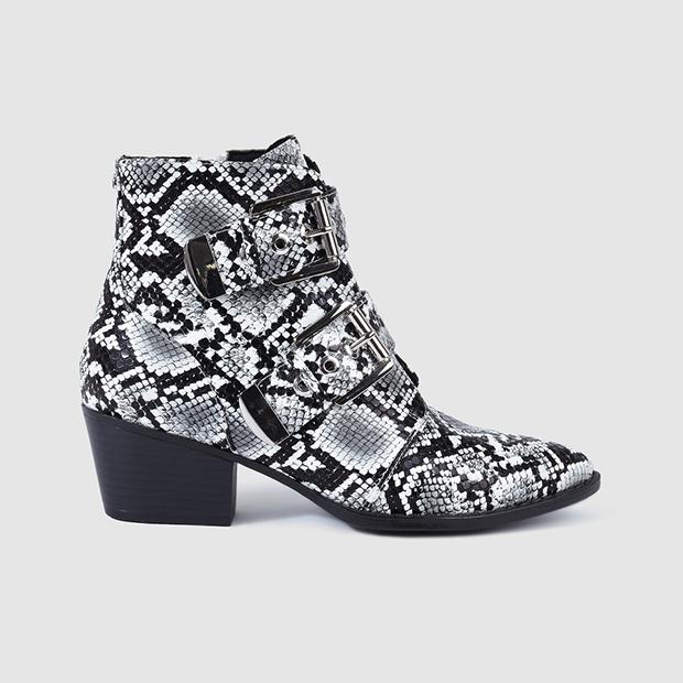 calzado con animal print botines grises