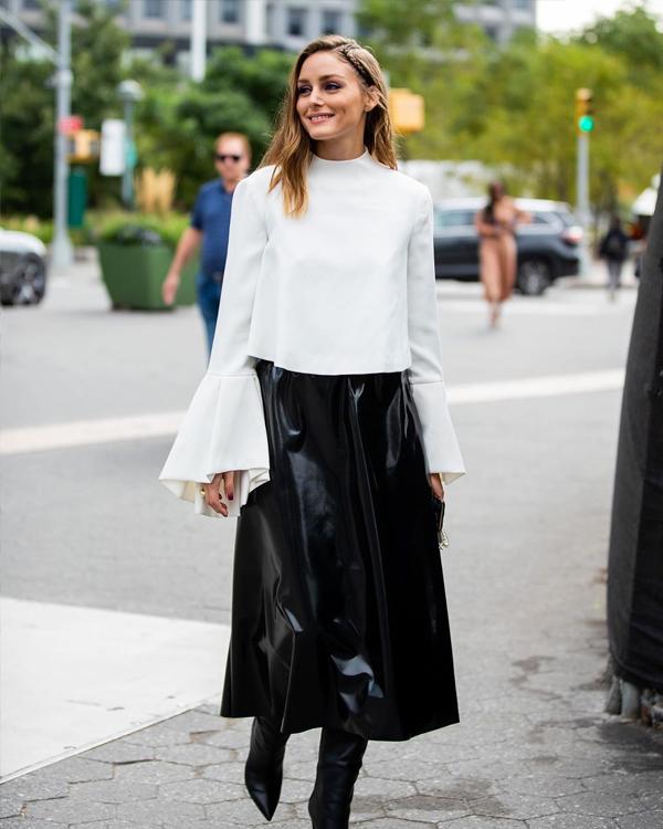 tendencias de otono 2019 olivia palermo falda de cuero
