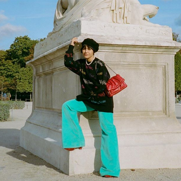 Maria Bernad pantalón de color azul prendas de pana