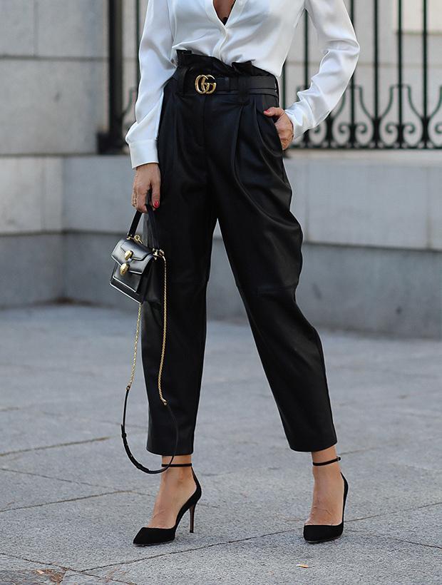Pantalones de moda de efecto piel