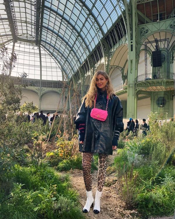 Emily Sindlev Fashion Week looks de las semanas de la moda