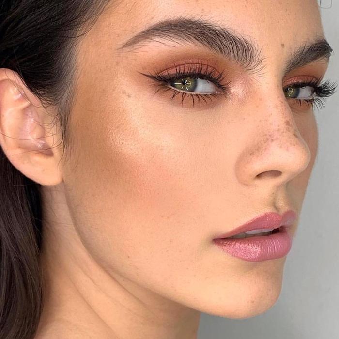 tendencias de maquillaje 2020 bronzer