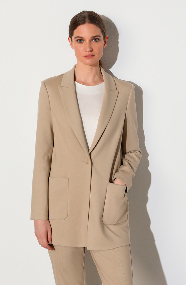 Blazer beige de Woman Limited, disponible en El Corte Inglés