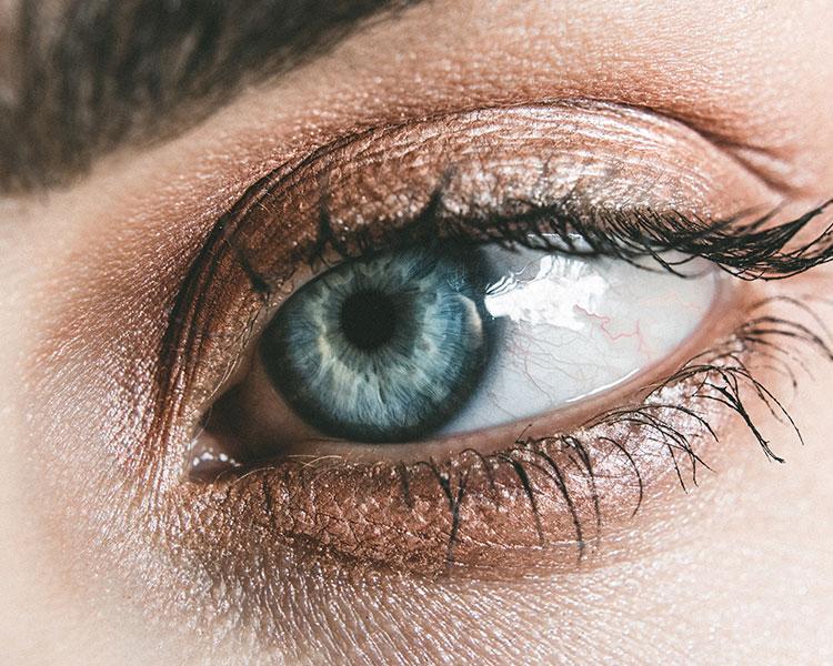 consejos para el cuidado del contorno de ojos tratamiento