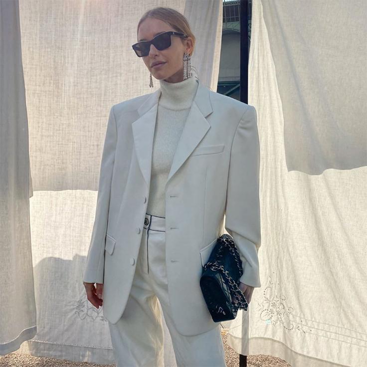 pernille teisbaek looks en blanco traje