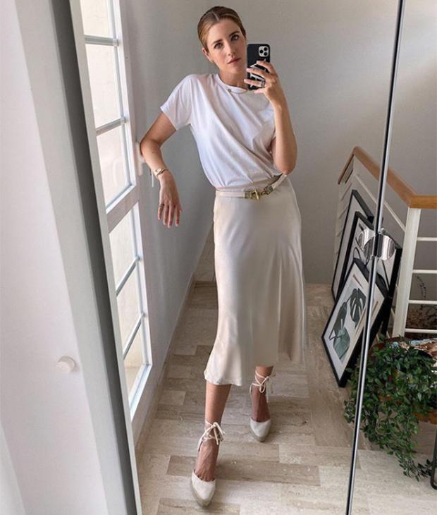 Ana Vera con estilismo para la oficina