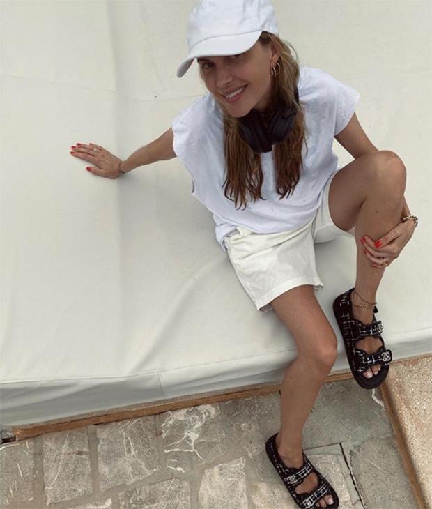 Pernille Teisbaek con looks en blanco