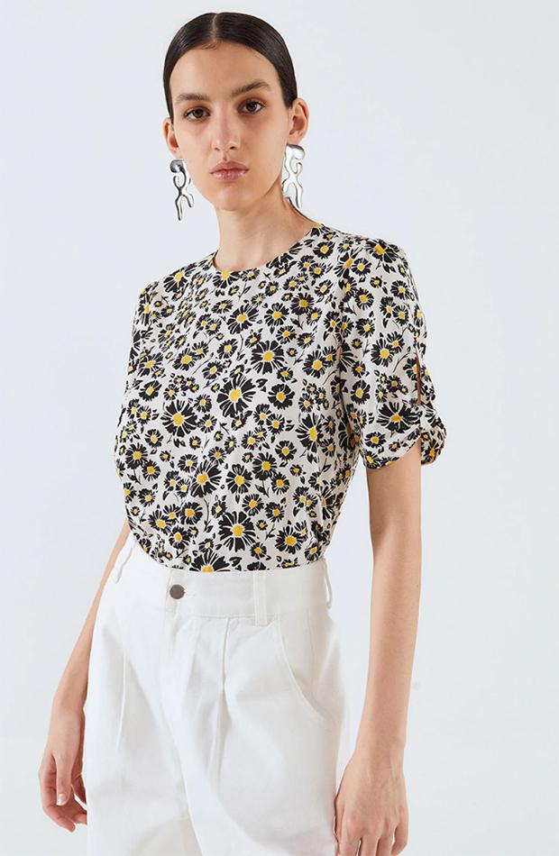 Blusa con estampado de flores de Sfera