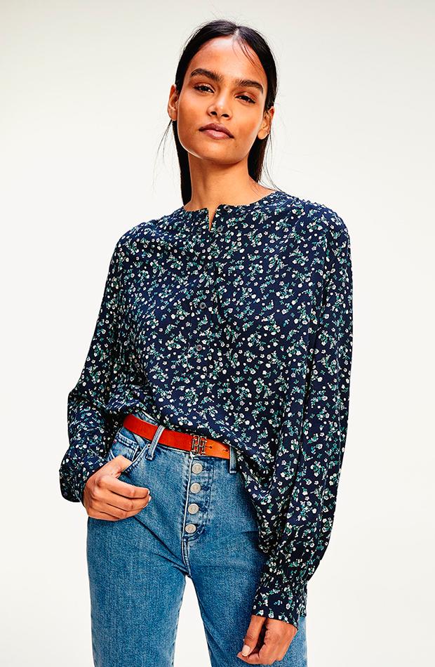 Blusa estampada de Tommy Hilfiger, disponible en El Corte Inglés armario cápsula