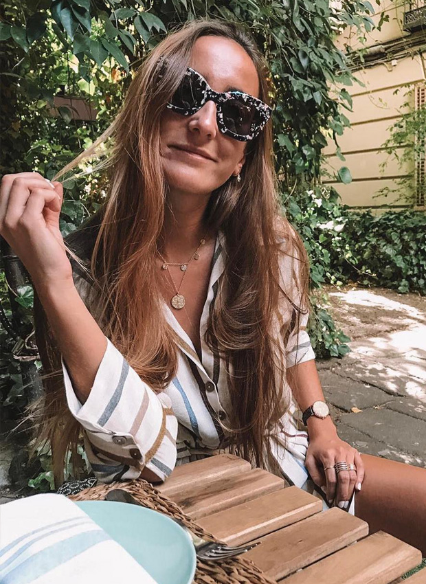 Lucía Pombo con una de las blusas tendencia del verano