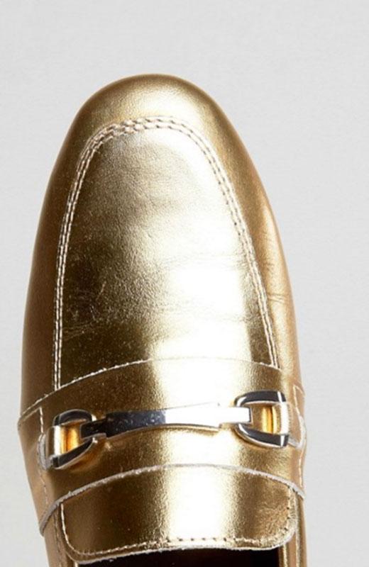 zapatos dorados con hebilla de Asos