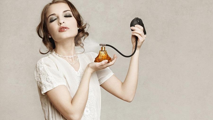 Cómo quitar las marcas de perfume de la ropa-227-esmiestilo