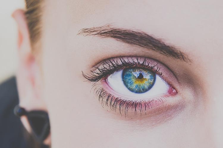 ¿Cuándo hay que empezar a usar contorno de ojos?-242-asos