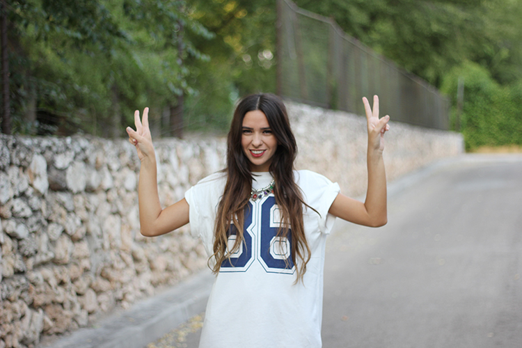 1 + number t shirt + ax paris+ number + match + necklace + accessorize