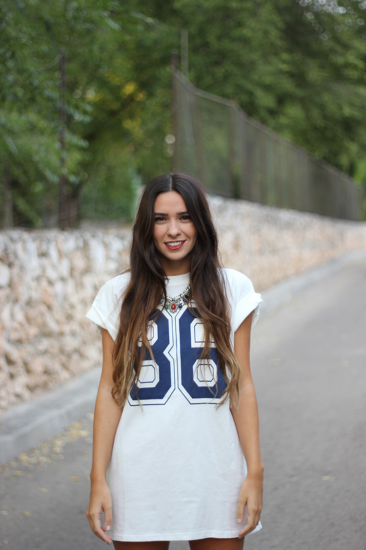 2 + number t shirt + ax paris+ number + match + necklace + accessorize