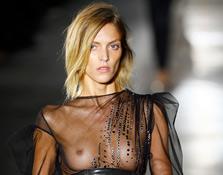 París Fashion Week: Saint Laurent P/V 2017